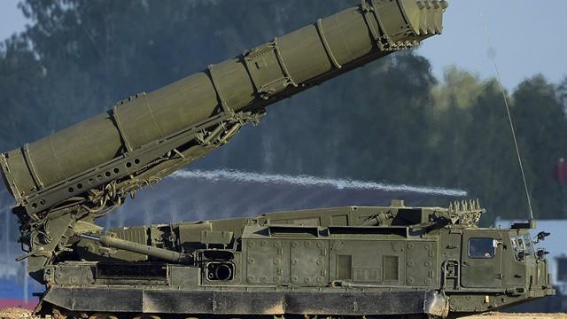 """Vì sao Israel không dám manh động sau khi S-300 đến """"trấn yểm"""" Syria?"""
