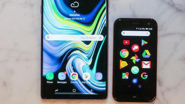 Huyền thoại Palm tái xuất với một chiếc điện thoại không thể nhỏ hơn