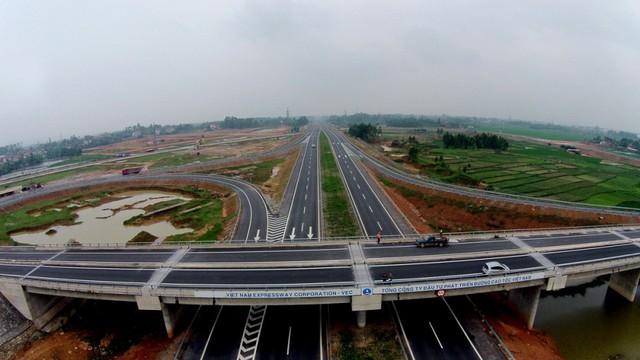 Kiểm soát viên 'tố' VEC chỉ định thầu tất cả các trạm dừng nghỉ trên cao tốc