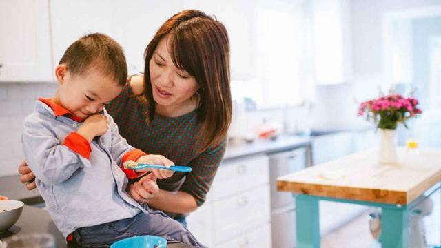 Người mẹ đưa ra lý do dạy con phá vỡ các quy tắc khiến ai cũng bị thuyết phục