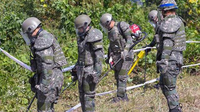 Vũ khí, trạm gác rút hết khỏi DMZ, Hàn – Triều – Mỹ sắp có ngày hòa hợp?