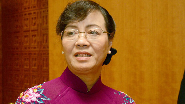 """Bà Nguyễn Thị Quyết Tâm: Người phụ nữ ném giày tại buổi tiếp xúc cử tri do """"bức xúc"""""""