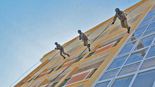 Đổi mới huấn luyện, nâng cao trình độ tác chiến đặc công