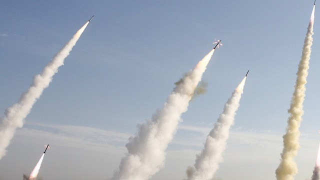 Syria bất ngờ lên tiếng về đòn tên lửa ồ ạt từ Iran