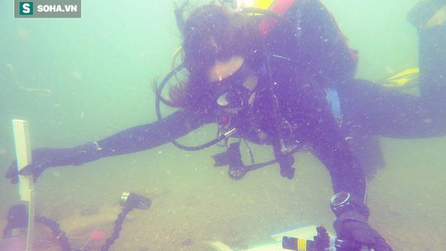 Thợ lặn bất ngờ phát hiện ra ngôi mộ 7.000 năm dưới đáy biển