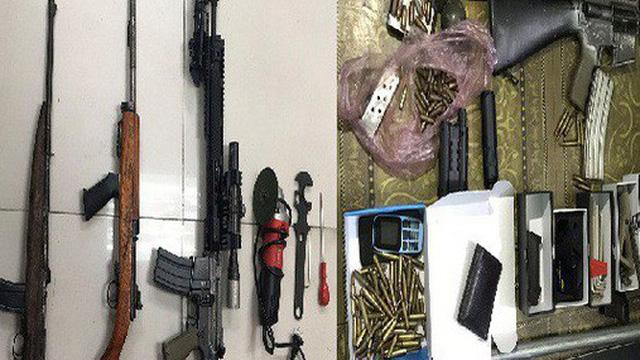 """Choáng với """"kho"""" vũ khí AK 47, AR 15 của 2 """"lái súng"""" Quảng Ninh, Bắc Ninh"""