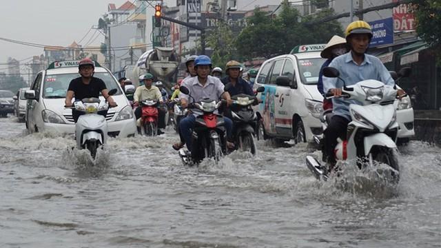 Triều cường vượt báo động 3, TP. Hồ Chí Minh sẽ ngập nặng