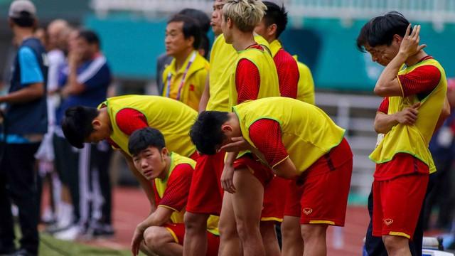 """Tụt hạng chóng mặt, Việt Nam thua xa Philippines, không còn nhìn thấy """"bóng lưng"""" Thái Lan"""