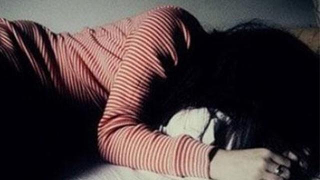 Sợ bị đánh, người mẹ không dám tố cáo gã chồng hờ nhiều lần hiếp dâm bé gái