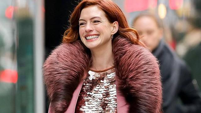 Anne Hathaway năm xưa đẹp ngất ngây giờ đã lộ những nếp nhăn