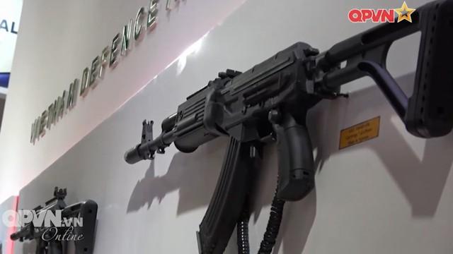 Súng trường tấn công kết hợp Galil ACE và AKM độc nhất vô nhị ...