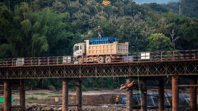 """Các dự án đường sắt của Vành đai - Con đường chỉ dẫn vào """"ngõ cụt"""""""