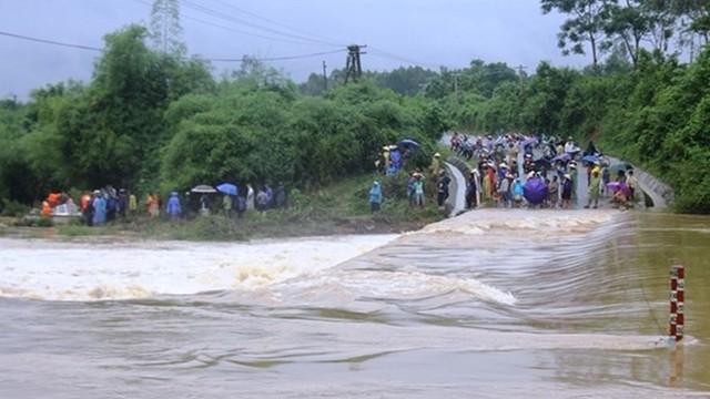 Cập nhật thiệt hại do lũ lụt tại miền Trung: 9 người chết và mất tích