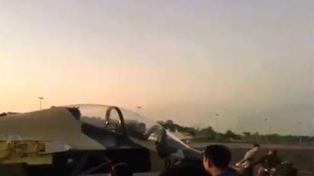Tiêm kích Yak-130 đầu tiên đã về thay thế cho MiG-21: Chúc mừng láng giềng Việt Nam!