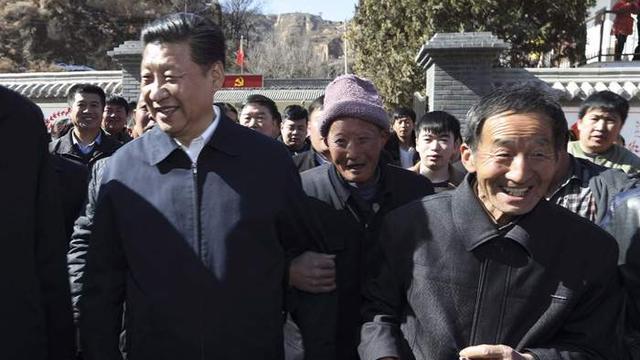 """Gọi Tập Cận Bình là lãnh tụ, TQ kể gì về """"thần thoại khởi nghiệp chính trị"""" của ông?"""