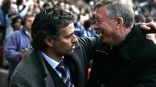 """Tiêu 300 triệu bảng, Mourinho vẫn phải sống nhờ một lần """"bỏ đội"""" của Sir Alex"""