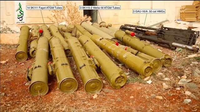 Phiến quân và người Kurd ở Syria bị bao vây: Vũ khí hiện đại ở đâu ra mà nhiều thế?