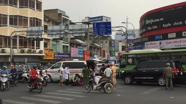 Người phụ nữ khuyết tật bị xe bồn cán tử vong giữa Sài Gòn