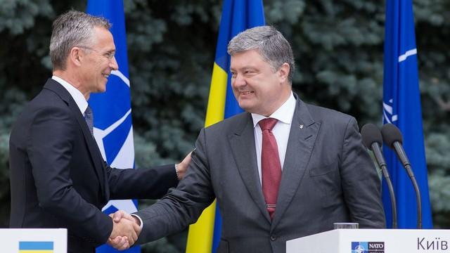 NATO chính thức đưa Ukraine vào danh sách quốc gia muốn gia nhập liên minh