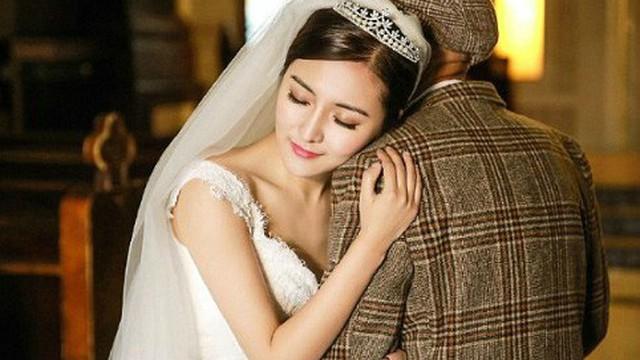 Bộ ảnh cưới của cô gái trẻ và cụ ông 87 tuổi khiến dân mạng xôn xao