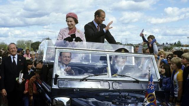 Nữ hoàng Anh từng là mục tiêu ám sát của một thiếu niên