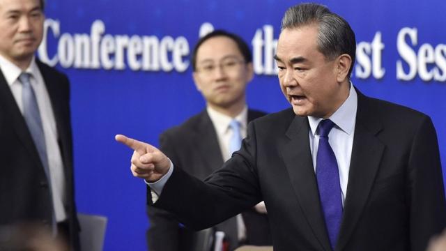 Ngoại trưởng Vương Nghị vẫn liên nhiệm dù đến tuổi về hưu: Ngoại giao TQ đang gặp lỗ hổng