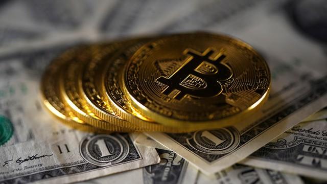Giá Bitcoin hôm nay 30/3: Một nhà đầu tư bán tháo tài sản, thị trường giảm điên cuồng
