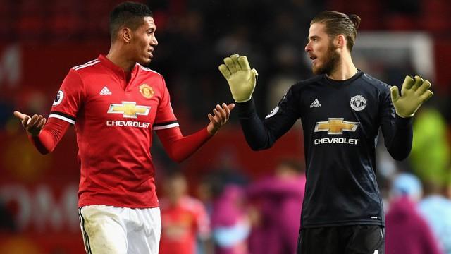 """""""Thủ quân năm ấy"""" của Man United: Những tháng năm rực rỡ... chán phèo"""