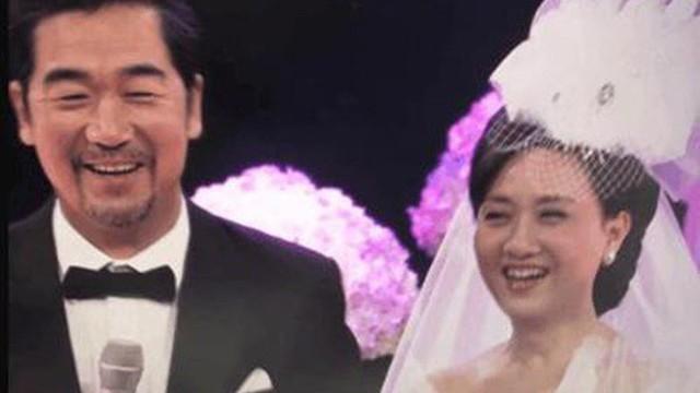 """30 năm trước không đám cưới vì nghèo và tấm chân tình của """"vua Khang Hy"""" dành cho vợ lúc về già"""