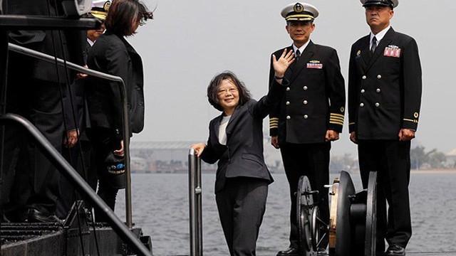 Mỹ bật đèn xanh cho Đài Loan, 2 bộ lớn của Trung Quốc đồng thanh thị uy