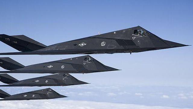 """Máy bay tàng hình F-117A Mỹ: Bị một cú trời giáng ở Nam Tư - Thời """"oanh liệt"""" nay còn đâu?"""