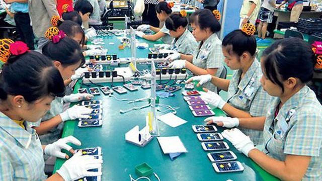 """Điện thoại """"made in Vietnam"""" bứt tốc ngược đường sang Trung Quốc"""