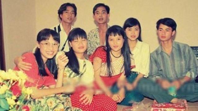 """Dàn diễn viên """"12A và 4H"""" sau 23 năm: Bộ tứ 4H từ bỏ nghiệp diễn, """"thầy Minh"""" trở thành người cha mẫu mực với câu chuyện gia đình cảm động"""
