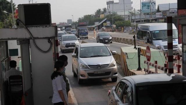 Các trạm thu phí phải mở cửa nếu xảy ra ùn tắc giao thông dịp 30/4