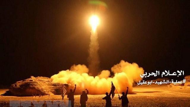 Saudi Arabia đánh chặn tên lửa của phiến quân Houthi bắn từ Yemen