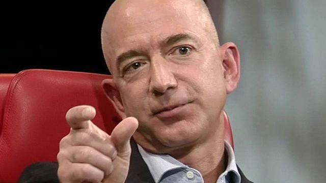 Cách gửi mail đặc biệt của tỷ phú Jeff Bezos, chỉ nhắn đúng 1 kí tự duy nhất nhưng khiến nhân viên lo lắng mất ngủ cả đêm