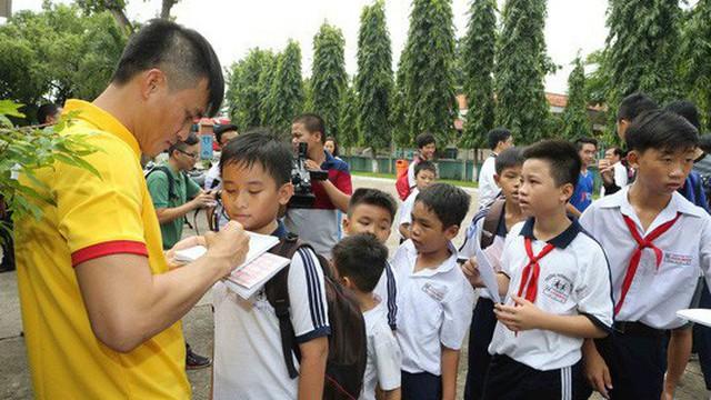 Công Vinh mở học viện bóng đá cộng đồng CV9