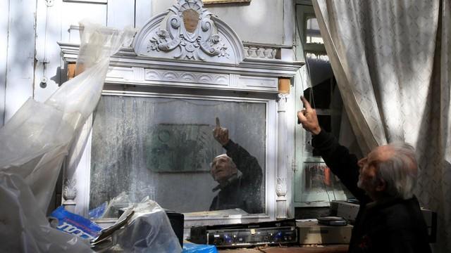 """Người Syria kể chuyện sống ở chiến tuyến, """"kề cận cái chết"""" suốt 7 năm xung đột"""