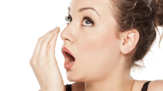 Không ngờ 5 thứ này lại khiến hơi thở bạn trở nên nặng mùi