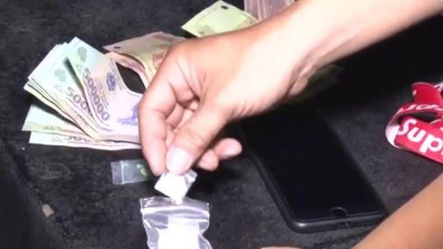 Cảnh sát kiểm tra quán karaoke, 76 thanh niên dương tính với ma túy