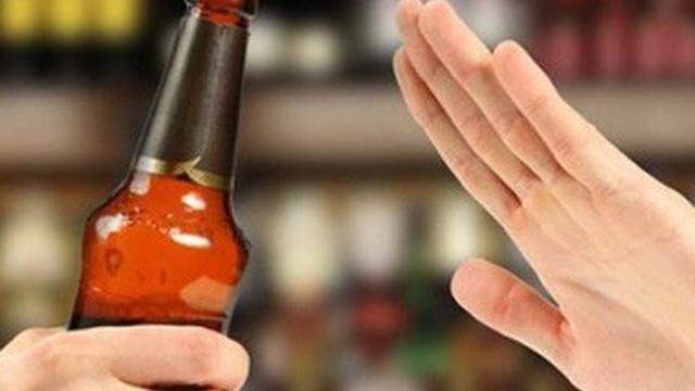 Dấu hiệu cho thấy những người này không thể uống rượu