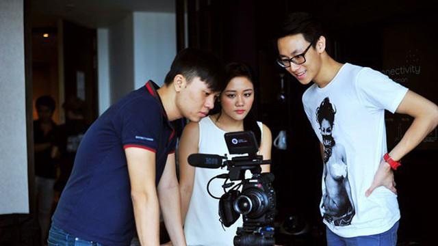 Thời chập chững bước vào showbiz của Rocker Nguyễn: Làm VJ và bị đồn yêu Văn Mai Hương