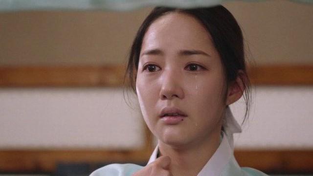 Phận đời bi đát của vương hậu xứ Hàn: Tại vị vỏn vẹn 7 ngày, bị cuốn vào vòng xoáy vương quyền, mất cha và chết đơn độc nơi lưu đày