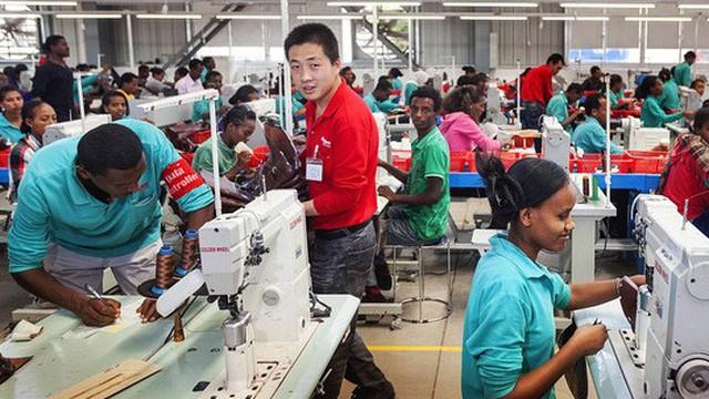 Châu Phi có nguy cơ 'hoàn toàn phụ thuộc' vào Trung Quốc