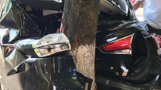Ô tô lăn 1 tháng không sao, chủ vừa cho mượn đã xảy ra họa lớn