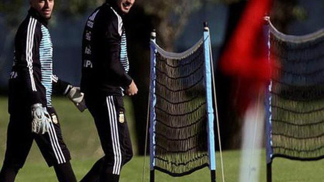 """Tiến tới World Cup 2018: Argentina, Anh âu lo về """"một nửa sức mạnh"""""""