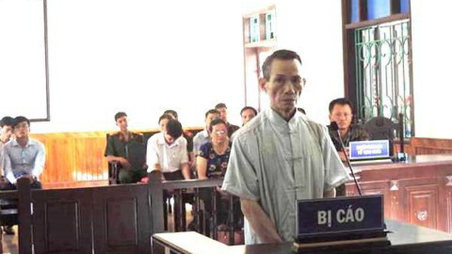 Hiếp dâm trẻ em, 'yêu râu xanh' 73 tuổi nhận bản án 12 năm tù giam