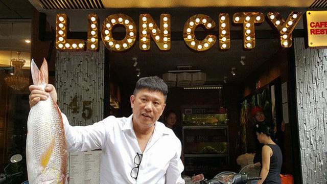 Những người nước ngoài tìm đường sang bán đồ ăn cho dân Việt: Người Mỹ bán thịt nướng, socola, người Singapore qua kinh doanh cháo ếch...