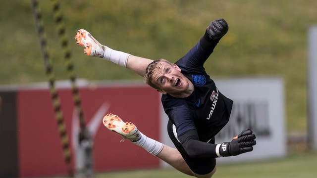 """Sợ đối mặt với bi kịch quá khứ, ĐT Anh luyện bài """"lạ"""" trước World Cup"""