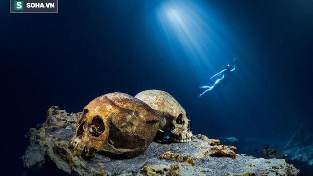 """Cuộc thám hiểm kỳ lạ tại """"giếng thánh"""" của người Maya: Bí mật ngàn năm hé lộ!"""